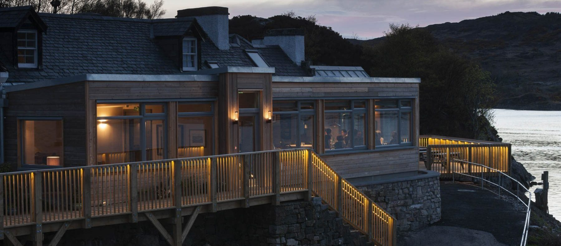 Kylesku Hotel - accommodation and dining by Loch Gleann Dubh